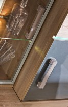 Omara viseča z vitrino Verto V13
